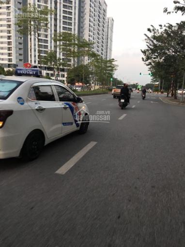 Phân lô, 3 ô tô tránh, kinh doanh, vỉa hè, nhà phố Chu Huy Mẫn, Long Biên, cực hiếm