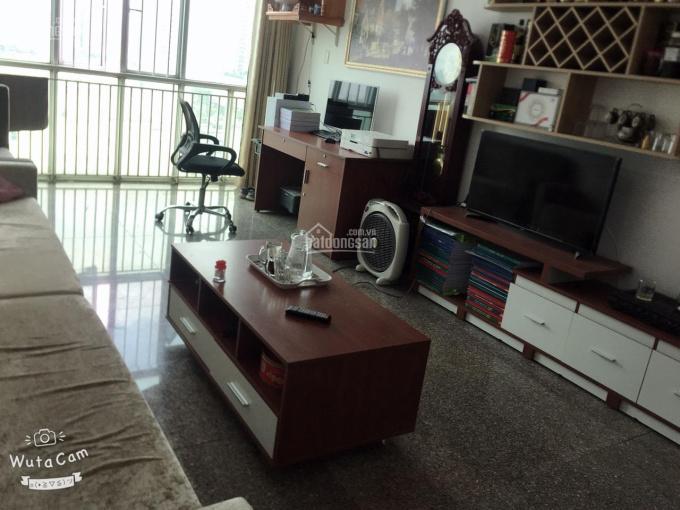 Cho thuê căn hộ Hoàng Anh Gia Lai 1, DT: 110m2, 3 phòng ngủ, 3 toilet, vào ở liền. Tel. 0906701816