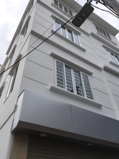 Chính chủ bán nhà TT Phúc Lợi, 42m2x 4 tầng, 2 mặt thoáng, SĐCC, ô tô đỗ cửa 2.85tỷ. LH 0985853299