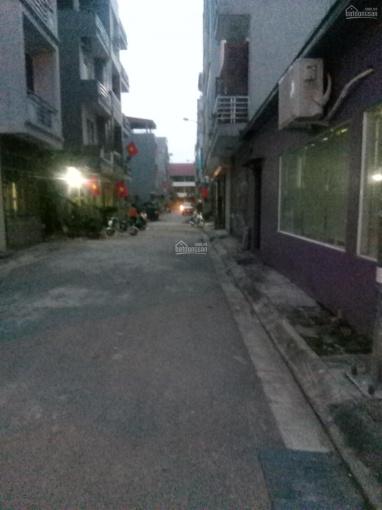 Bán đất ngõ 95 phố Vũ Xuân Thiều, P. Sài Đồng đường rộng 4m ô tô 7 chỗ vào nhà DT 52m2, giá 1,85 tỷ