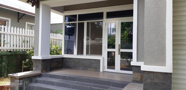 Cho thuê căn biệt thự Nam Phúc  quận 7 dt 300m2 1 trệt 2 lầu 4pn giá 35tr/ tháng lh 0909.466.578