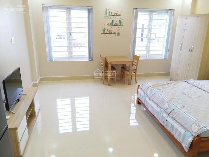 Cho thuê căn hộ cao cấp 40m2 mới xây 100% full nội thất đối diện Vincom, KDC Nam Long Quận 7