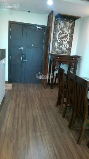 Cho thuê căn hộ 2PN đồ cơ bản nhà mới đẹp, giá 7,4tr/th, Valencia, KĐT Việt Hưng, ĐT: 0966328455