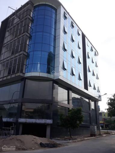 Cho thuê gấp mặt bằng kinh doanh hoặc văn phòng ngay 103 Nguyễn Xiển, DT 300m2/sàn, MT 20m