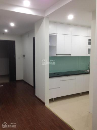Xem nhà 247 - Cho thuê chung cư 90 Nguyễn Tuân 76m2, 2 PN, đồ cơ bản 10.5 tr/th - 0915 351 365
