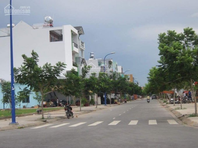 Cần bán gấp 5 nền đất, MT Nguyễn Thị Định, Cát Lái, Q2, gần TTHC Q2 giá 750tr SHR, LH 0936857349