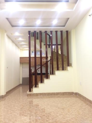 Bán nhà PL Hồ Đình, ngõ 156 Lạc Trung, DT 33m2, 4T, ô tô tránh nhau vào nhà, KD tốt, giá 3.2 tỷ