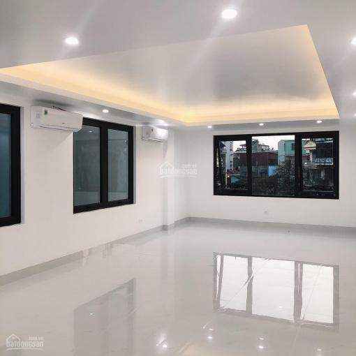 Cho thuê nhà ở phố Tây Sơn DT: 70m2x 5T, MT: 5m full điều hòa, thang máy, GT: 34tr/th, 0903215466