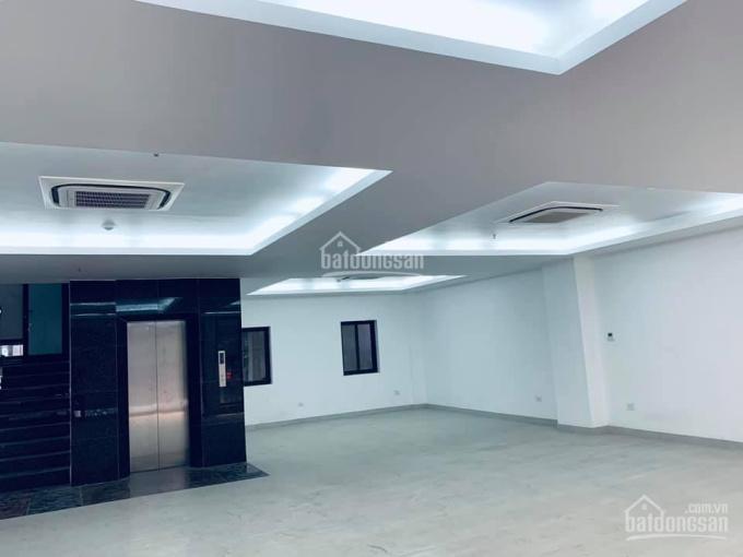 Bán nhà Nguyễn Xiển, 200m2, mặt tiền 8m, văn phòng, 25 tỷ