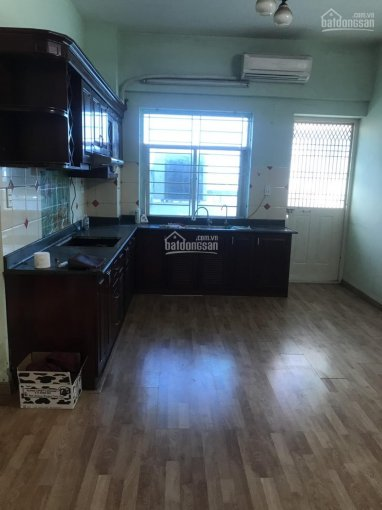 Cho thuê căn hộ tòa K khu đô thị Việt Hưng S: 70m2, nội thất cơ bản, giá 5.5tr/th. LH: 0981716196