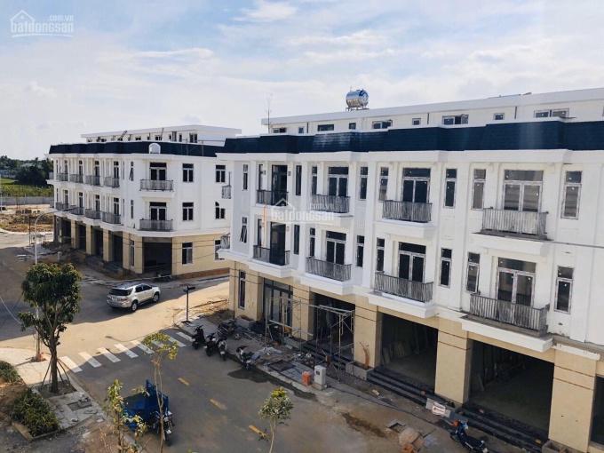 Bán ra ngay căn nhà phố view hồ bơi Lovera Park Bình Chánh. Chỉ 3.4 tỷ công chứng ngay