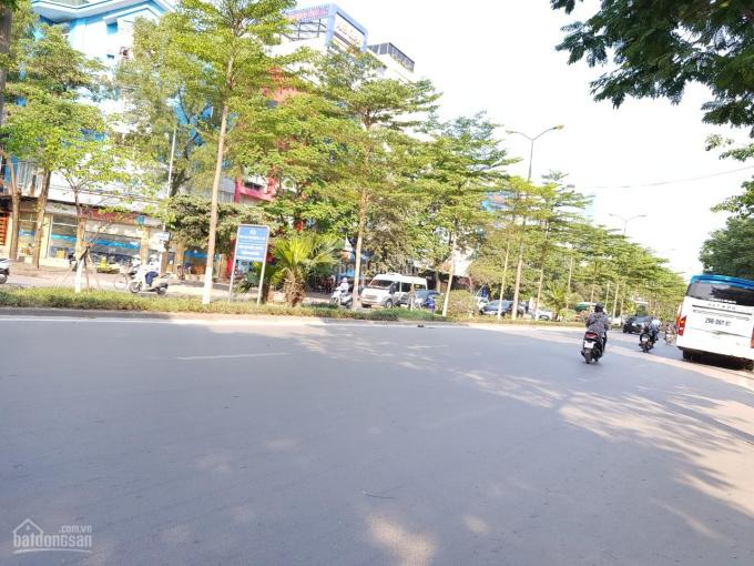 Bán nhà mặt phố Nguyễn Văn Cừ 60m2, mặt tiền 5.3m, nhà 3 tầng
