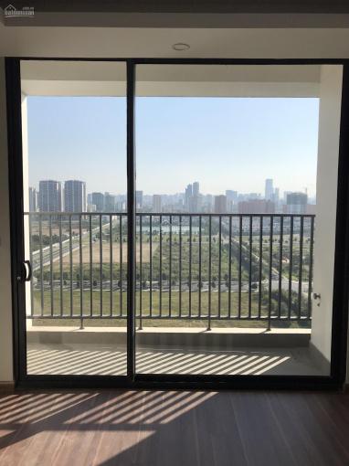Bán gấp căn hộ 2 phòng ngủ 87m2 tòa N01T5 Lạc Hồng, view hướng Nam nhìn hồ Starlake. LH 0911235528