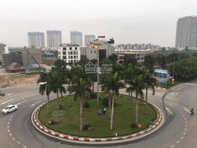 Cần bán lô đất 98m2 tại khu đấu giá vòng xuyến Văn Giang, 0975784136
