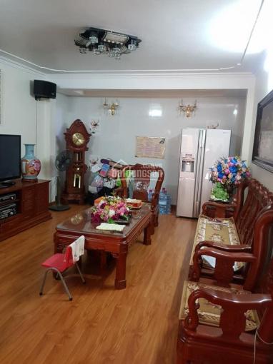 Chính chủ bán Nhà  phố Trần Thái Tông, Q. Cầu Giấy, 40m2 x 5T, mới đẹp, 4,4 tỷ