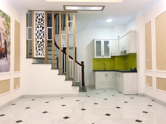 Tôi cần bán nhà xây đẹp đường Giải Phóng, gần Bệnh viện Bạch Mai, ĐH Xây Dựng, ĐH KTQD HN