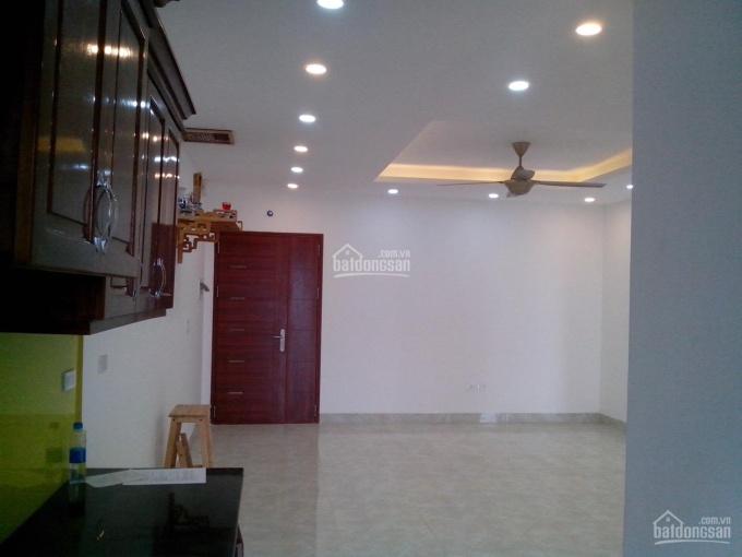 Cần cho thuê gấp căn hộ đồ cơ bản tại N02T2 Ngoại Giao Đoàn, giá 10tr/th. Liên hệ 0924691666