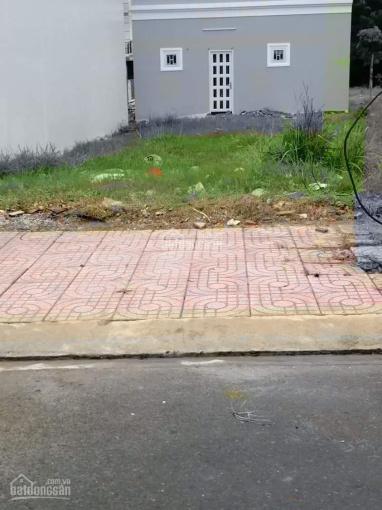 Chính chủ bán đất gần chợ Tân Phước Khánh, Tân Uyên, giá 710tr, DT 5x20m, SHR, LH: 0902 572 783