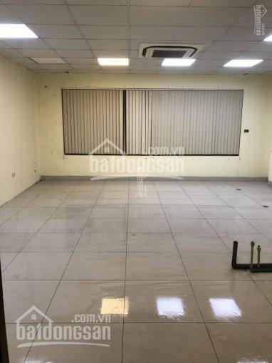 Cho thuê cửa hàng mặt phố Hàng Tre, diện tích 30m2, MT 3.5m, thuê 30tr/th, LH 0944093323