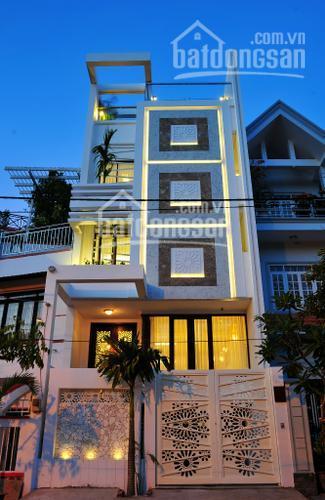 Bán nhà mặt tiền 3 lầu giá đầu tư đường Lê Thị Hồng Gấm Q1, góc Calmette