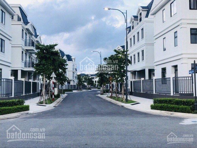 Shophouse Lakeview City, Q2 view hồ mặt tiền đường D, cần bán giá chỉ 18 tỷ. Gọi ngay 0934946069