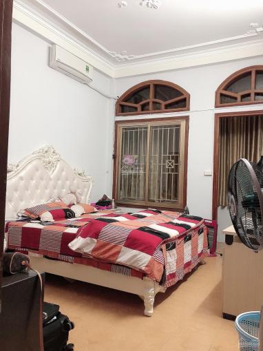 Cho thuê nhà riêng ngõ 39 Hào Nam, Đống Đa HN cạnh nhạc viện DT 48m2, 5 tầng, 5 PN, 3WC 14tr/th