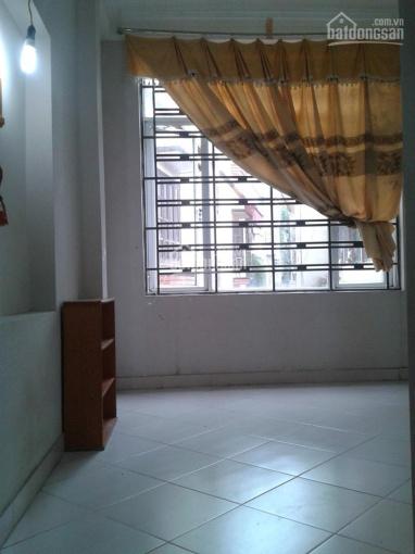 Có phòng cho thuê 1,1tr - 1,2tr - 1,4 tr/tháng ở ngõ 40 Chính Kinh, cách mặt đường Nguyễn Trãi 100m