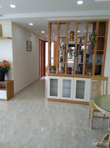 Cho thuê căn hộ Nam Phúc 110m2, 3PN, 3WC, view biệt thự giá 27tr/th còn TL lầu cao. LH 0901492315