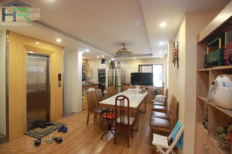 Cho thuê nhà mặt phố Trúc Bạch - Ba Đình, mới hiện đại có thang máy để ở hoặc làm văn phòng