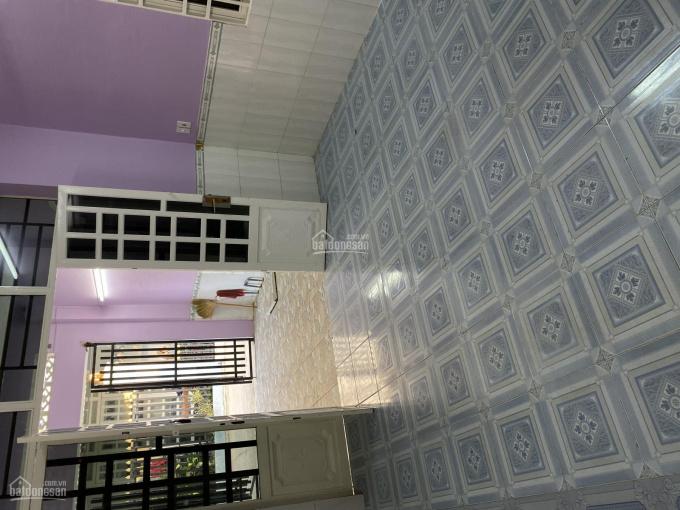 Nhà 3 PHÒNG NGỦ.Sân đậu Xe Hơi.2 tỷ 350