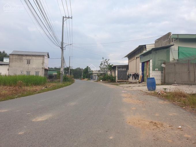 7m thị trấn mặt tiền đường Lê Duẩn sổ vừa ủy quyền tên mình, anh chị quan tâm alo 0337113521