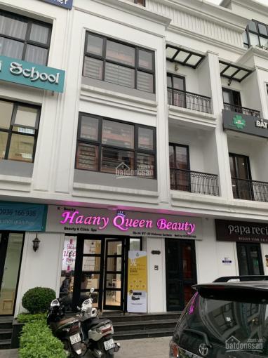 Cần cho thuê nhà 100m2, tầng 4 mặt phố Vũ Phạm Hàm - Trung Hòa, đủ điều hòa, giá 15 triệu/tháng