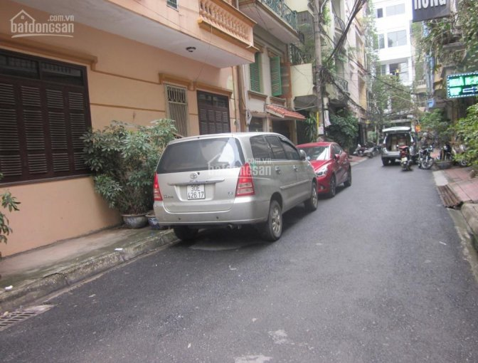 Chia lô ô tô tránh nhau phố Bế Văn Đàn, 2 mặt thoáng, MT 10m, 72m2x4T chỉ 4.68 tỷ. LH: 0989.62.6116