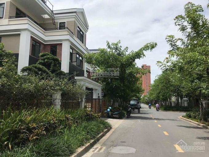 CC bán biệt thự Lão Thành Cách Mạng khu ĐT Yên Hòa chỉ 39 tỷ DT 300 m2 vị trí đẹp vỉa hè ô tô