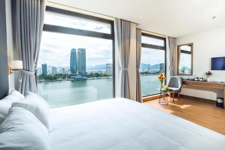 Chính chủ bán khách sạn mặt tiền đường Bạch Đằng - Đà Nẵng, Lh 0394562569