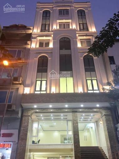 Cho thuê nhà mặt phố Nguyễn Du, DT 115m2, MT 11m, xây 7 tầng thang máy, LH: 0913851111
