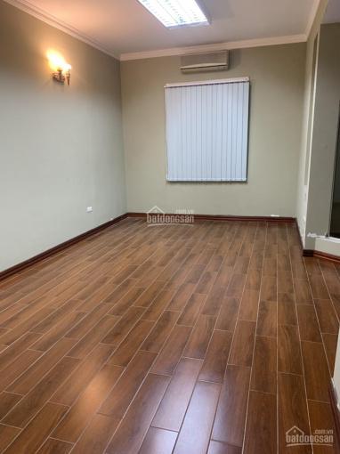 Nhà ngõ 121 Chùa Láng, 80m2 x4T MT 4m, sàn gỗ nhà 2 mặt tiền cho thuê nhanh giá 23tr/th, 0903215466