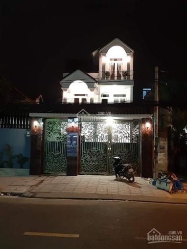 Bán nhà mặt tiền đường phường Linh Trung, quận Thủ Đức. DT: 240m2 giá 20 tỷ, LH 0932375800