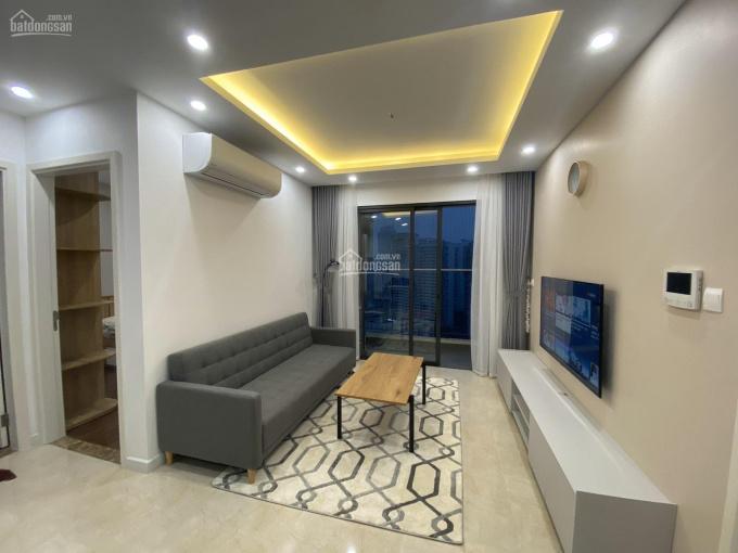 Căn hộ 2 phòng ngủ tầng trung, DT 82m2 chung cư D Capitale cho thuê đầy đủ đồ, LH Tuấn 0777.398.999