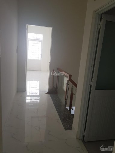 Nhà mới gần Aeon Tên Lửa 4mx16m có lầu 2 phòng ngủ 2 nhà vệ sinh