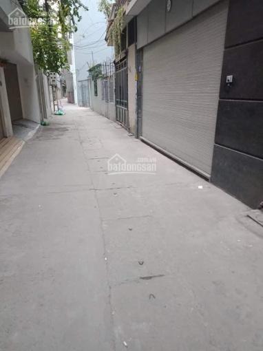 Bán nhà phố Yên Lạc - ô tô đỗ cửa dân trí cao an ninh tốt