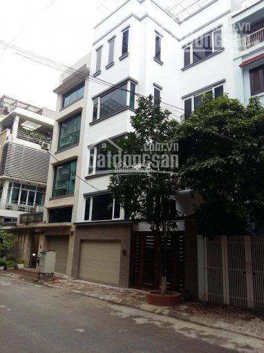 Cho thuê tòa nhà đẹp lô góc đường Võ Chí Công, 150m2, 5 tầng, thông sàn làm VP công ty