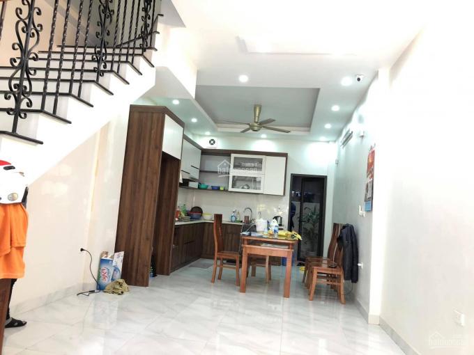 Chính chủ bán nhà đẹp Gia Quất, Long Biên, ô tô tránh, ngõ thông, 60m2x4T, MT 3.9m, 4.95 tỷ SĐCC