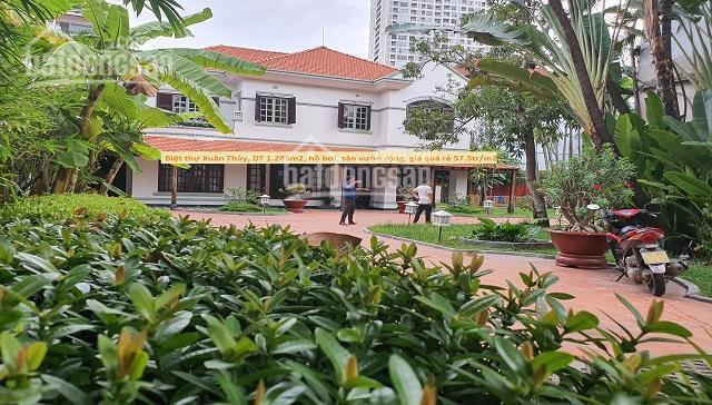 Biệt thự Xuân Thủy Thảo Điền, thiết kế cực đẹp, hồ bơi, sân vườn, DT đất 1285m2, giá chỉ 57 tr/m2