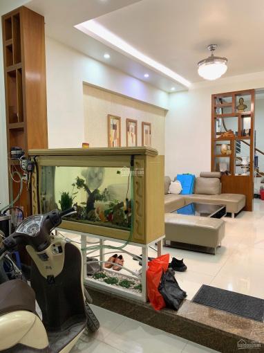Cho thuê nguyên căn nhà chính chủ mặt ngõ 117 Thái Hà