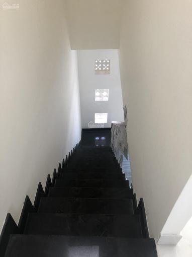 Nhà mới giá 2.35 tỷ, thanh toán giãn cách trong 6 tháng, đưa trước 1.8 tỷ, 1T 2L, LH 0919 88 2378