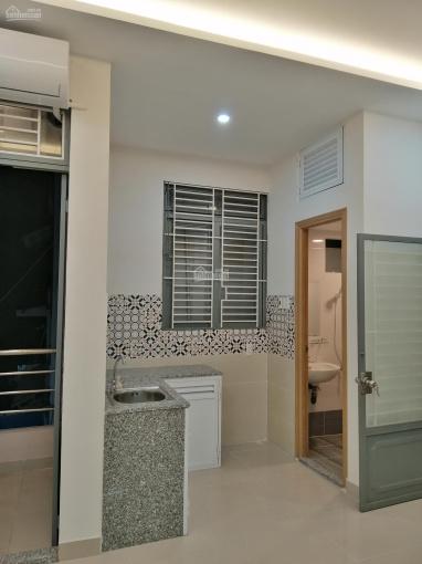 Phòng trọ mới sạch đẹp, DT 22m2. Hẻm xe hơi Trần Văn Khánh, Q7