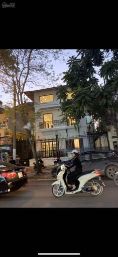 Cho thuê nhà mặt phố Bùi Thị Xuân, 140m2, mặt tiền 7m, 4 tầng
