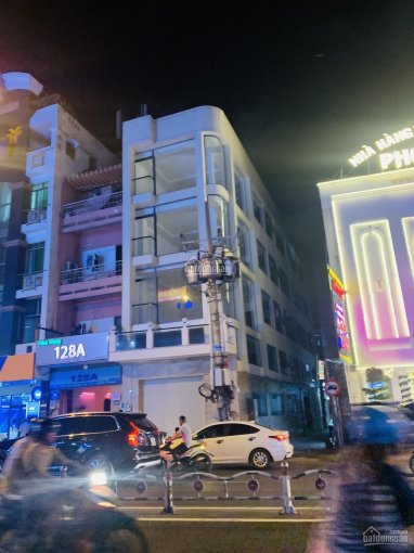 Cho thuê nguyên căn làm ngân hàng mặt tiền Phan Đăng Lưu, Phú Nhuận, 6x25m, 4 lầu, 175 triệu/tháng