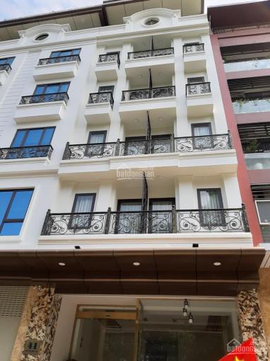 Cho thuê nhà mặt phố Mạc Thái Tông, ngay ngã tư Giao Trung Kính, DT 65m2 x 7T nổi + 1 hầm, MT 5,5m.